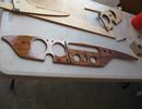 Ejemplo de tablero de auto clasico cortado en madera